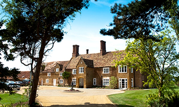 Heacham Manor Hotel - King's Lynn: Norfolk: 1 Night For Two (£59) with Golf (£69) at Heacham Manor (Up to 55% Off)