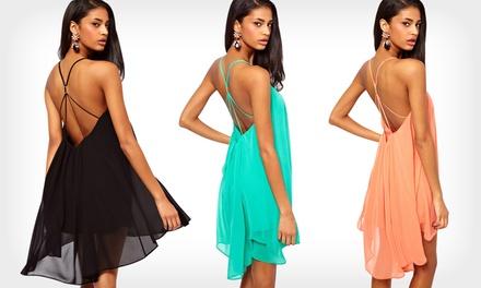 Vestido de verão Dipped Hem Floaty por 16,99€ ou dois por 29,99€