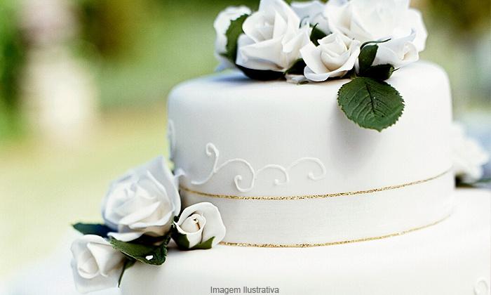 Dolce confeito - Aracaju: Dolce Confeito – Cirurgia: torta gelada ou bolo decorado com pasta americana de até 2 andares, a partir de R$ 24,90