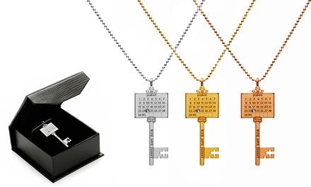 Colar Special Day Calendar Key em prata de lei e com gravação por 16,99€ ou dois por