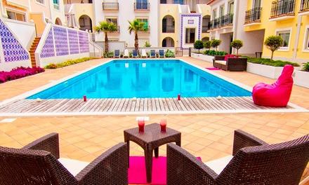Holiday Residences Praia DEl Rey — Óbidos: 1 ou 2 noites para 4 pessoas em apartamento com acesso a piscina desde 109€