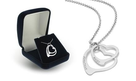 Colar com duas peças em forma de coração e gravação por 16,99€ ou dois colares por 24,99€