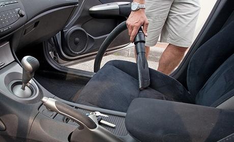 Extreme Car Care — Boavista: 1, 3 ou 5 lavagens a automóvel profundas de interiores e estofos desde 19€