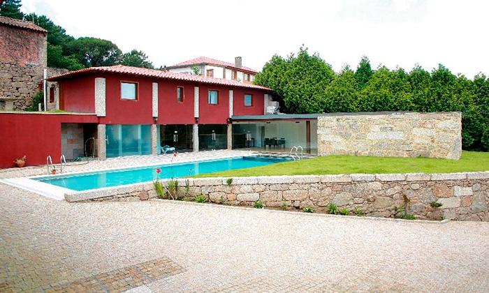 Hotel Rural Alves — Braga: 1-2 noites para duas pessoas com pequeno-almoço, welcome drink e opção de jantar desde 49€