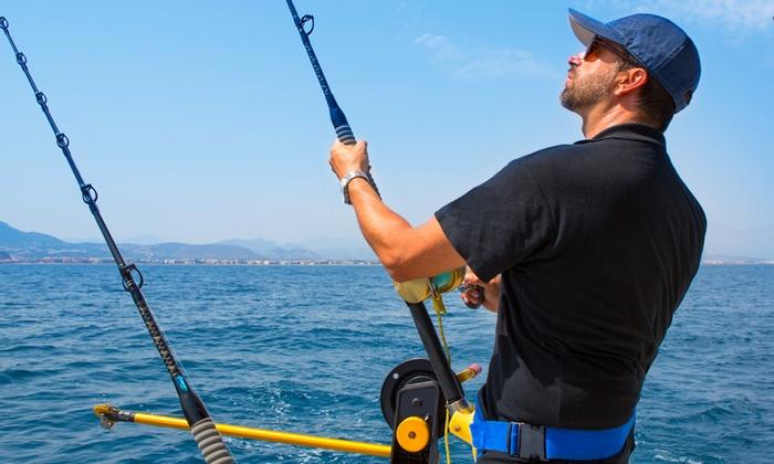 Oversea - Natura Sailing - Più sedi: Pesca sportiva d'altura a traina su barca a motore per tonni, dentici e sciabola a 79 €