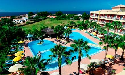 Hotel Baía Grande Albufeira 4*: 2, 3, 5, 7 ou 10 noites para dois em quarto com varanda, meia pensão e spa desde 179€
