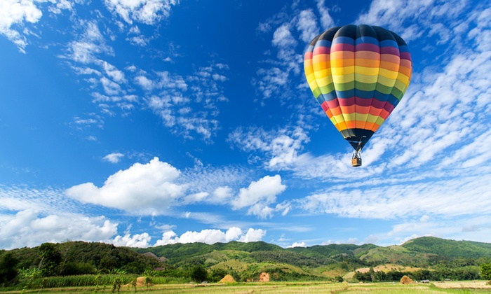 Life Ballooning - Life Ballooning: Weekend Balloon Flight for Two for R3 240 with Life Ballooning (55% Off)