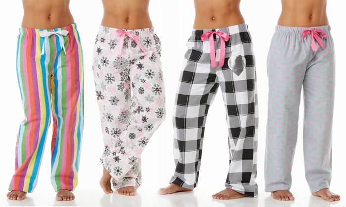 Model Black Heart Fleece Pajama Pants For Women