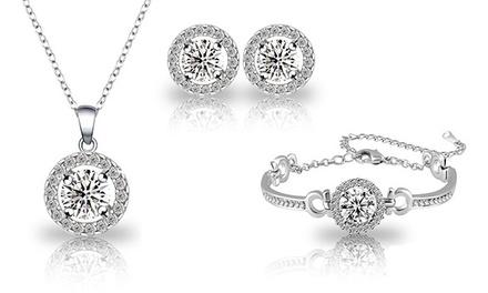 Conjunto de colar, pulseira e brincos com Swarovski Elements por 16,99€ ou dois conjuntos por 24,99€