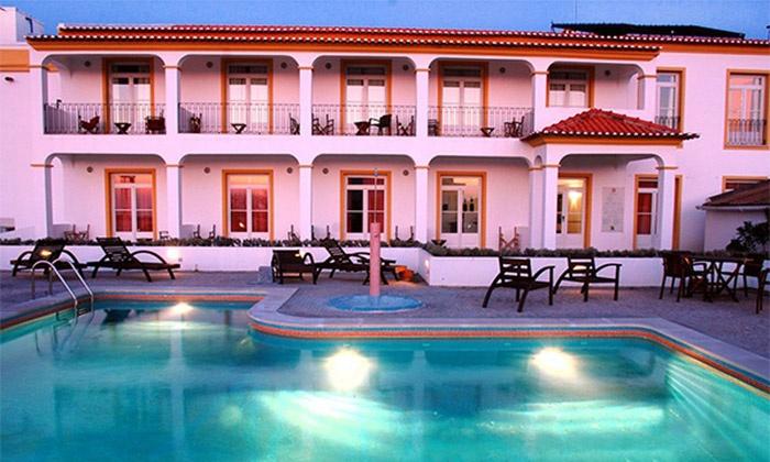 Hotel Convento D'Alter 4* — Portalegre: 1-3 noites para dois em quarto deluxe com pequeno-almoço e espumante desde 49€