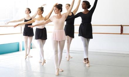 Aulas de teatro, dança ou acrobacia à escolha para adulto ou criança desde 12 € na Tear - Espaço de Artes