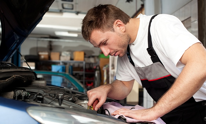 EAC Telford - EAC Telford: MOT: With Nitrofill (from £18) or Diagnostics (from £29) at EAC Telford
