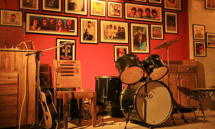 It's Time To Rock Out! | Must Visit Rock N Roll Pubs in Delhi