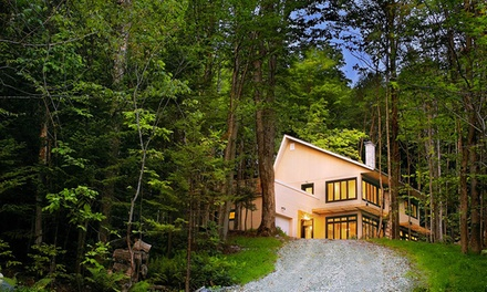 2-Night Stay for Up to Eight in a Cottage at Le Vertendre in Eastman, QC
