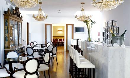 Casa Branca — Gaia: jantar para duas pessoas com entradas, pratos principais, sobremesas e bebidas por 46€