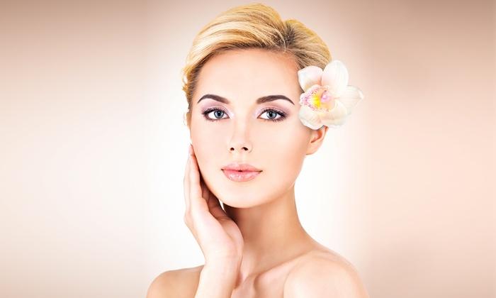 Centro estetico Armonia - Centro Estetico Armonia: 3 pulizie del viso e un trattamento alla vitamina C (sconto fino a 79%)