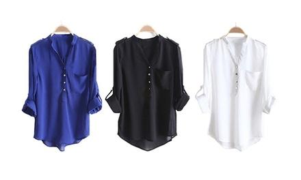 Blusa de mulher disponível em preto, azul e branco por 13,99€ ou duas por 24,99€