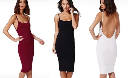 Vestido justo e sem costas disponível em 3 cores por 16,99€ ou dois por 29,99€