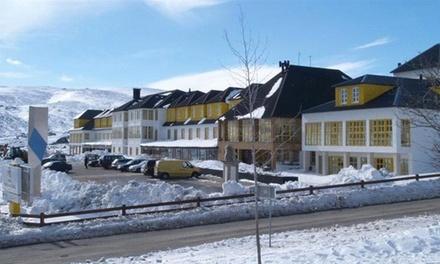 Hotel Serra da Estrela 4* — Penhas da Saúde: 1 ou 2 noites para 2 com pequeno-almoço e atividades de neve desde 89€