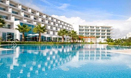 Vista Marina 4* — Portimão: 1-3 noites para dois em apartamento T1 com pequeno-almoço, spa e espumante desde 49€