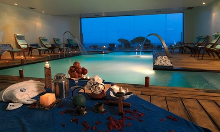 Suites Alba Resort — Lagoa: 1, 2, 5 ou 7 noites para duas pessoas em suite com varanda, pequeno-almoço e spa desde 89€