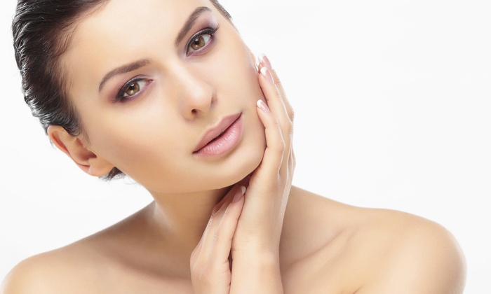 The Vanity Case Beauty Studio - Walsall: Microdermabrasion: Three Sessions (£29) With Hydrating Facial (£35) at The Vanity Case Beauty Studio (Up to 70% Off)