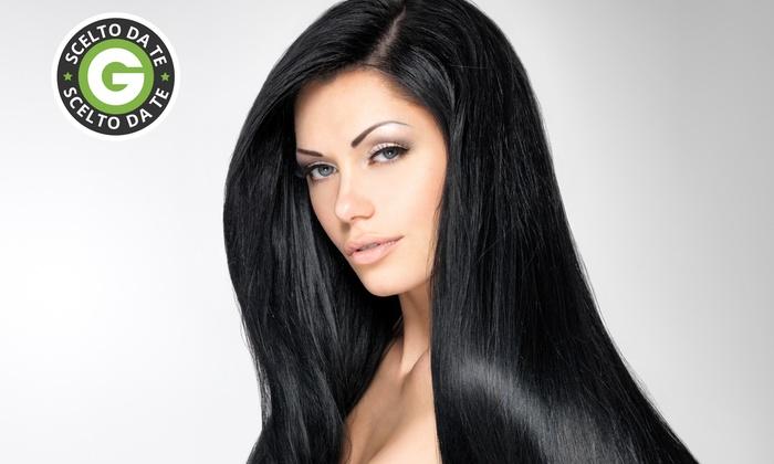 Friends Academy - Friends Academy: Pacchetto capelli con taglio, colore, shatush o colpi di sole da 22 € invece di 89