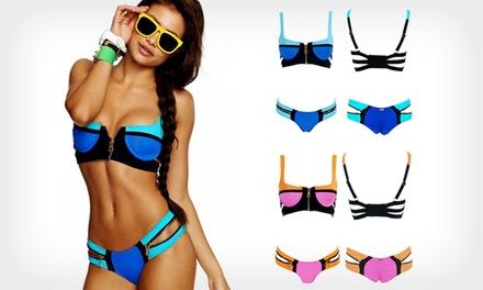 Biquíni Zip com duas cores disponível em três tamanhos diferentes por 16,99€ ou dois por 29,99€