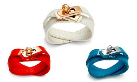 Uma pulseira de pele sintética Braid disponível em várias cores por 8,99€ ou duas por 12,99€