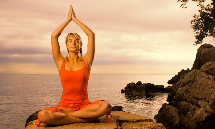 Renshi's Fitness Centre - Dubai: Up to 4 months of Yoga sessions on the beach starting from AED 49