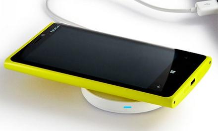 WiPo — Av. de Roma: carregador wireless para smartphone ou tablet disponível em duas cores por 19,90€