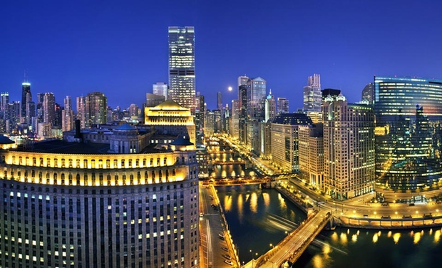 Skyline views at hotel in chicago 39 s river north groupon for Hotels in chicago under 100