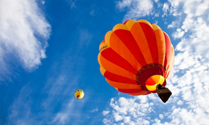 Life Ballooning - Pretoria: Weekend Balloon Flight for Two at Hartbeespoort Dam with Life Ballooning