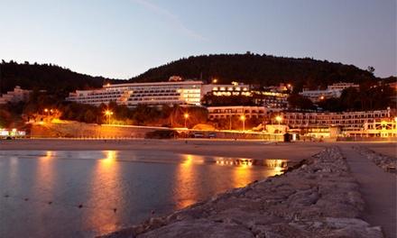 Hotel do Mar 4* — Sesimbra: 2 noites para dois com vista para o mar e pequeno-almoço por 89€ ou meia pensão por 139€