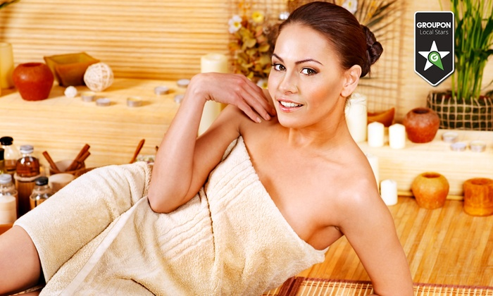Beauty Point & Nails - Più sedi: Manicure e pedicure con smalto, ceretta total body e massaggio da 29,90 €