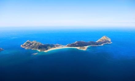 Bahía-Sub — Ilhas Cíes: viagem de ida e volta de barco para de 1 a 3 pessoas com aperitivo e copo de vinho desde 11,75€