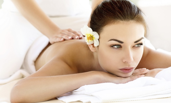 Tia's Beauty Palace - Tia's Beauty Palace: Royal Pamper Packages from R307.99 at Tia Beauty Palace (Up to 80% Off)