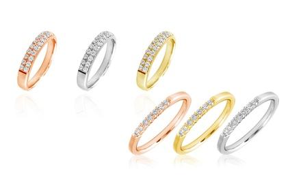 Anel em ouro de 10 kt com diamantes disponível em 3 cores desde 99,99€