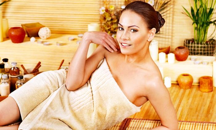 Sole E Benessere - SOLE E BENESSERE MILANO (VIALE ABRUZZI): Massaggio di 30 o 50 minuti, manicure e pedicure con applicazione smalto e ceretta (sconto fino al 79%)