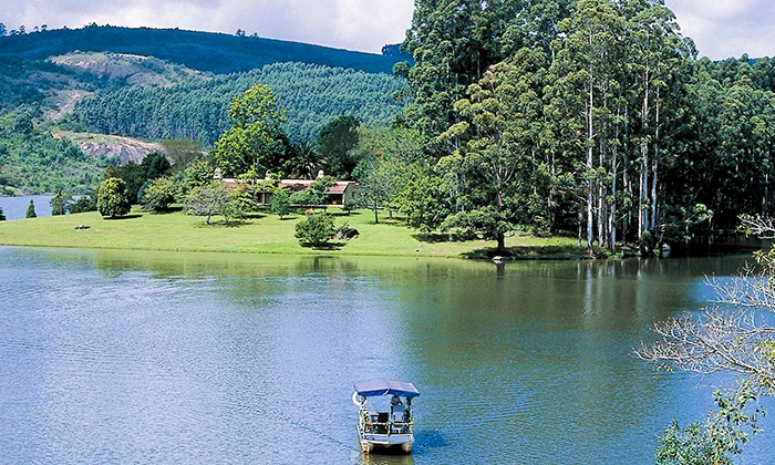 Hulala Lakeside Lodge - Merchandising (ZA): Mpumalanga: Stay for Two at Hulala Lakeside Lodge Including a Four-Course Dinner and Sundowner Cruise