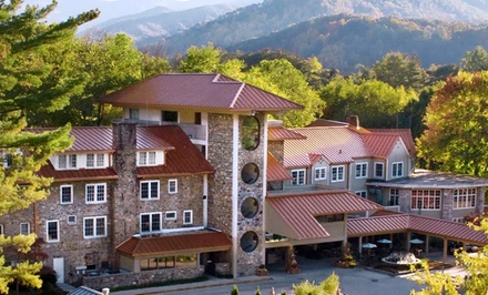 1- or 2-Night Stay for Two with $20 Dining Credit at Waynesville Inn Golf Resort and Spa in Waynesville, NC