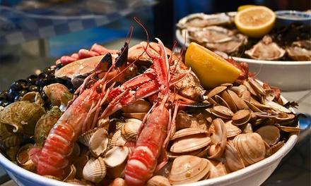 Mar e Sol — Sesimbra: mariscada para duas ou quatro pessoas com welcome drink, couvert e bebidas desde 28,90€