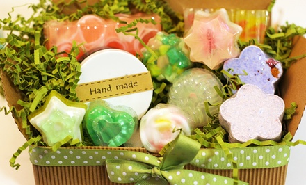 Soap-, Bathbomb-, or Lotion-Making Workshop for an Adult or a Child at Mellemee (50% Off)