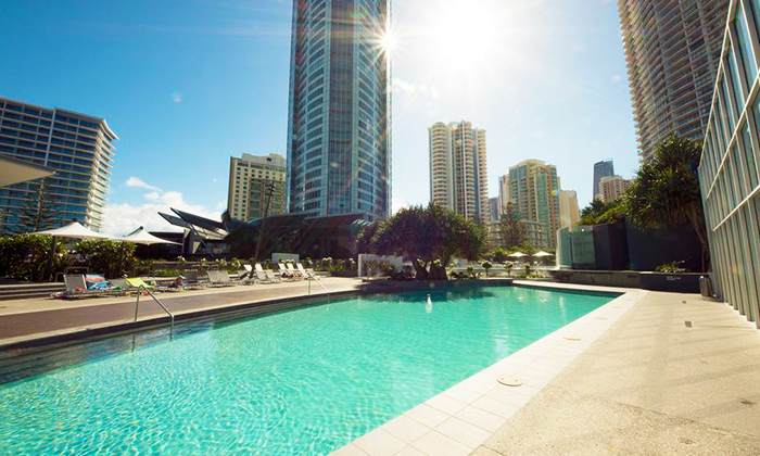 Surfers Paradise: 7-Night Stay 4