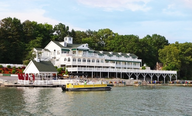 TripAlertz wants you to check out 1-, 2-, or 3-Night Stay with Sunset Cruise, Dessert, and Breakfast at Mountain Harbor Inn in Dandridge, TN. Lakeside B&B amid Great Smoky Mountains - Mountain B&B in Tennessee