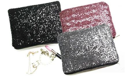 Bolsa de lantejoulas disponível em quatro cores por 14,90€