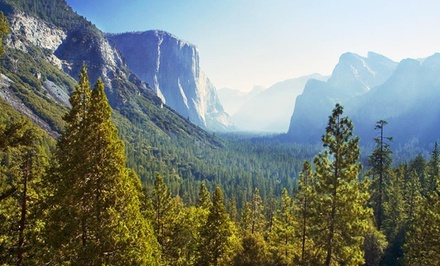 3-Night Stay for Up to Four with Champagne at Yosemite Gold Country Lodge Near Yosemite National Park, CA