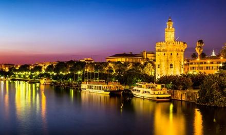 Hotel Plaza Santa Lucía — Sevilha: 1-3 noites para 2 com pequeno-almoço, 4h de bicicleta e tour pela cidade desde 49€