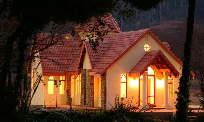 Floreat Riverside Lodge - Merchandising (ZA): Mpumalanga: Self-Catering Accommodation for Four at Floreat Riverside Lodge