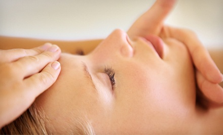 High-Frequency Organic Facial with Option for Peel, or Anti-aging Organic Facial with Peel at Prana Spa (Up to 55% Off)